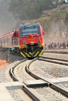General Electric entrega locomotivas à Angola este ano